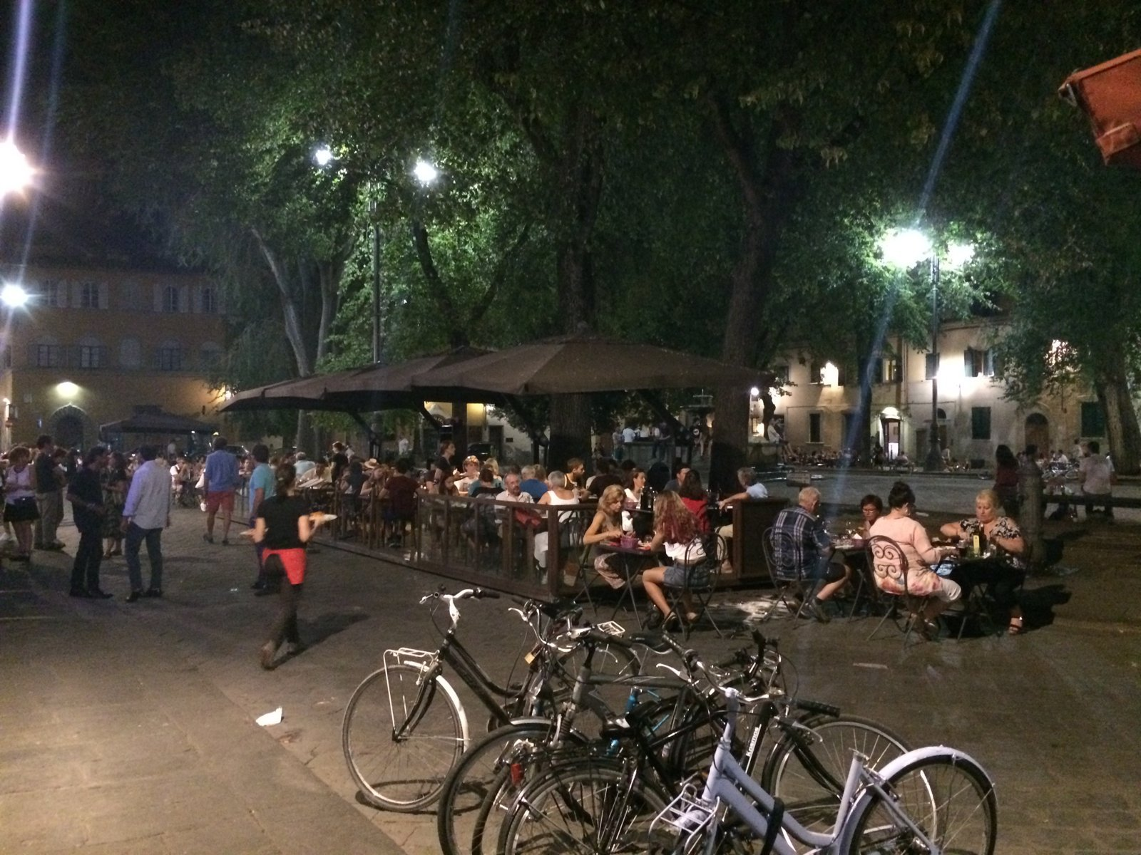 Nightlife in Piazzo Santo Spirito