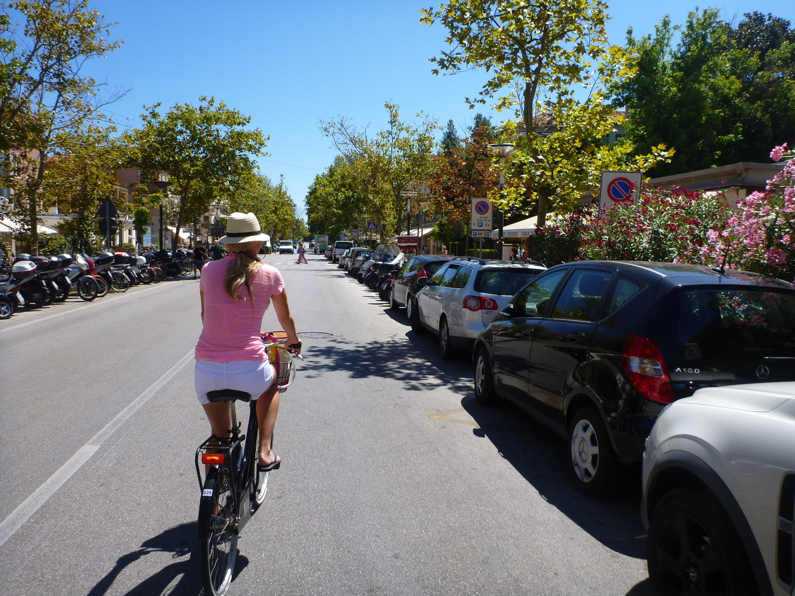 lindsay bike riding in Lido
