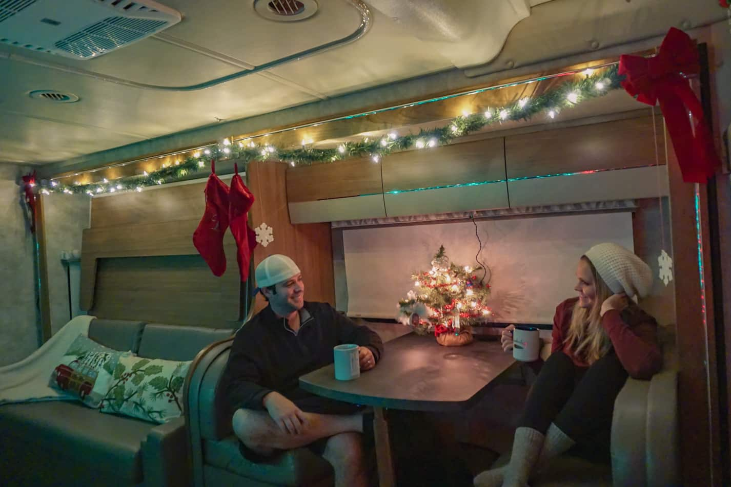 You Can Give A Great And Wonderful Christmas If You: Simple & Affordable Tips For Decorating An RV For