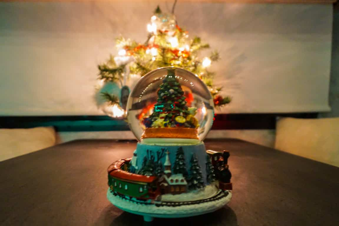RV Christmas Decoration - Snow Globe