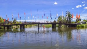 stand up paddle board woman in bend oregon