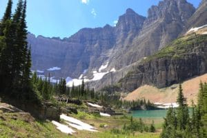 mountains and turquoise lake in glacier national park montana