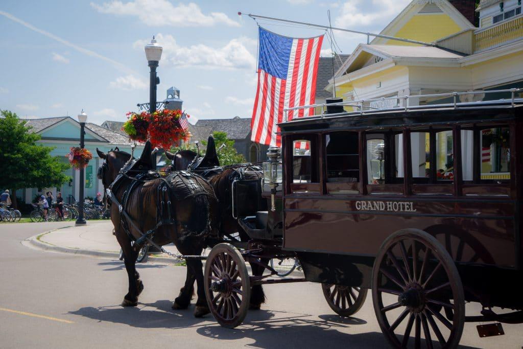 horse drawn carriage in mackinac island
