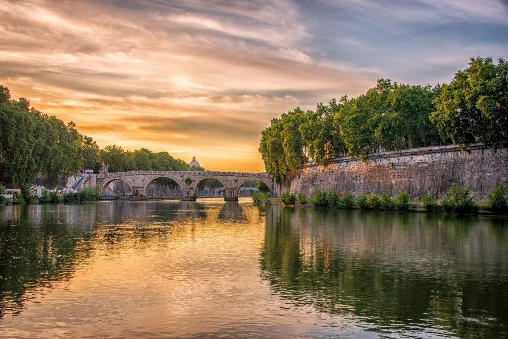 tiber river near trastevere