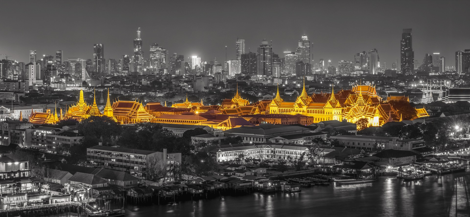 temple in the heart of bangkok